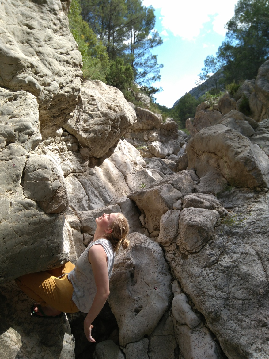 Bouldering in the Rio Gorgo, just 5 minutes drive from the Finca
